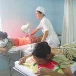 Đèn sưởi hồng ngoại dùng để chưa trị bệnh và châm cứu cho người bệnh